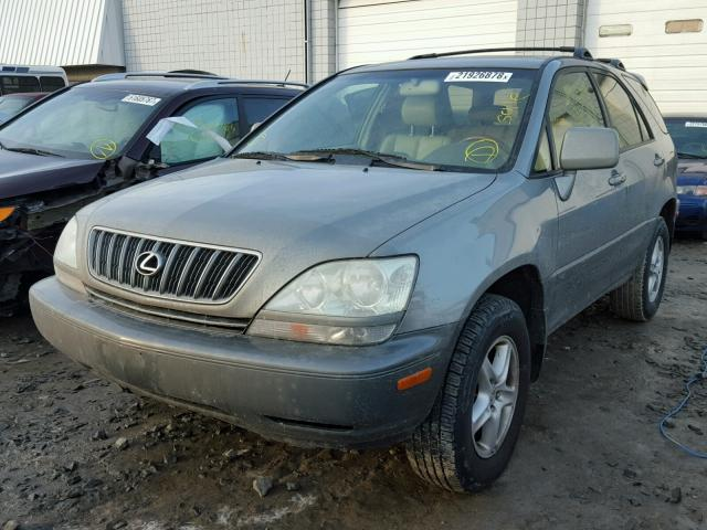 JTJHF10U820258373 - 2002 LEXUS RX 300 GRAY photo 2