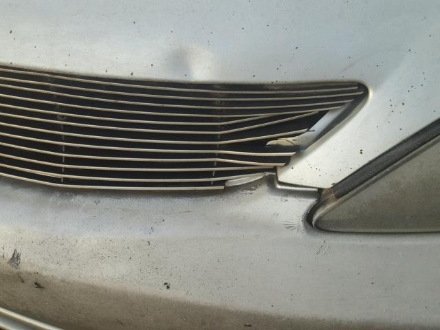 JTDBE32K420050543 - 2002 TOYOTA CAMRY LE SILVER photo 9