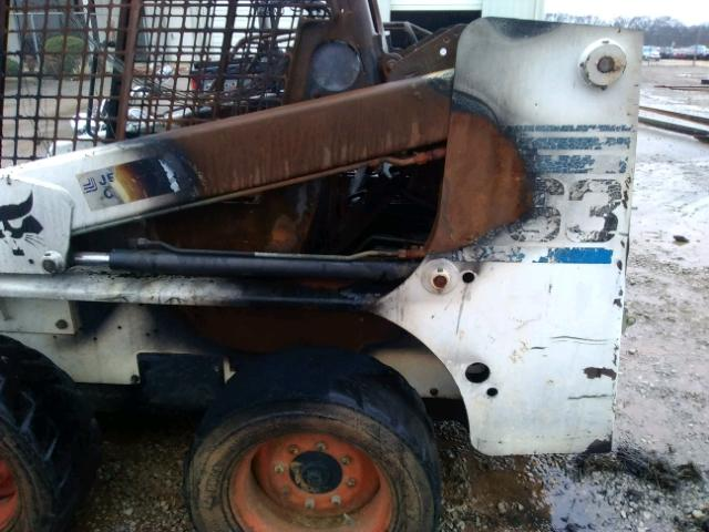 512260465 - 2002 BOBCAT 763 WHITE photo 6