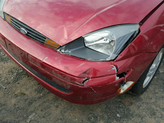 1FAFP34384W179490 - 2004 FORD FOCUS SE C RED photo 9