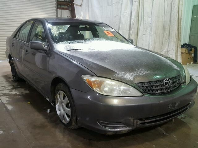 4T1BE32K02U595384 - 2002 TOYOTA CAMRY LE GRAY photo 1