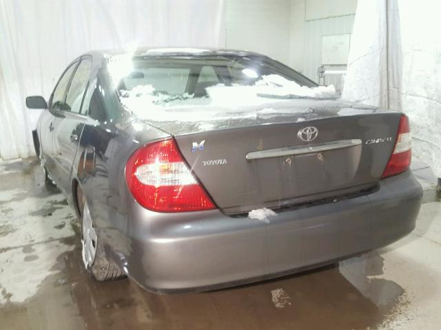 4T1BE32K02U595384 - 2002 TOYOTA CAMRY LE GRAY photo 3