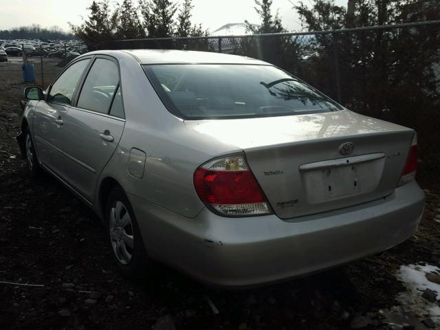 4T1BE32K65U424336 - 2005 TOYOTA CAMRY LE SILVER photo 3