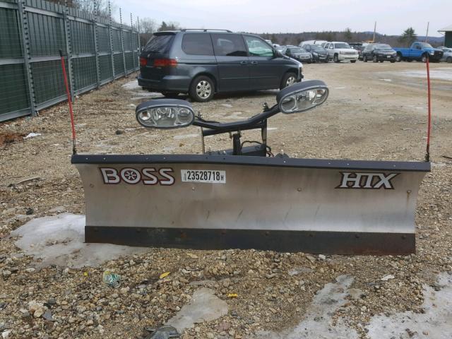 - 2000 BOSS PLOW HTX SILVER photo 8