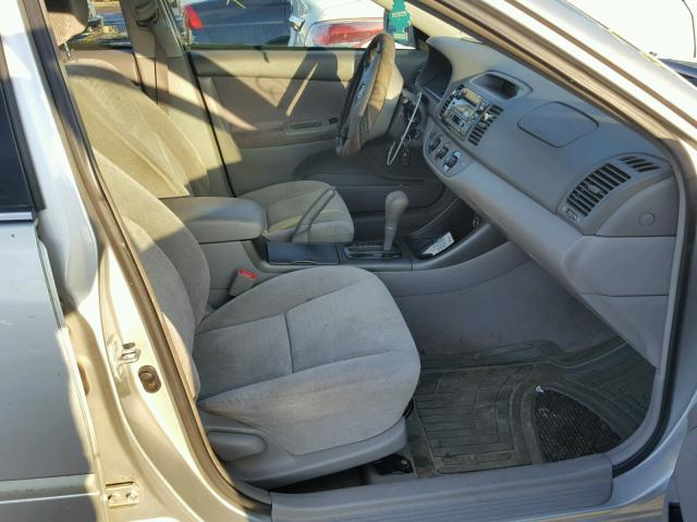 4T1BF32K22U502149 - 2002 TOYOTA CAMRY LE SILVER photo 5