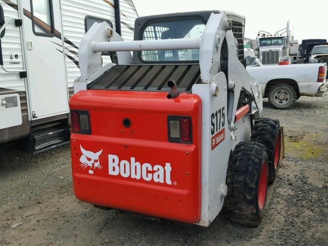 A3L540110 - 2012 BOBCAT S175 WHITE photo 4
