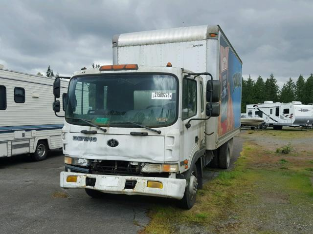 KMFLB69B7YC004141 - 2000 BERING MD23M WHITE photo 2