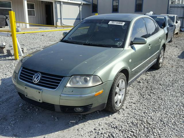 WVWRH63B63P200196 - 2003 VOLKSWAGEN PASSAT GLX TAN photo 2