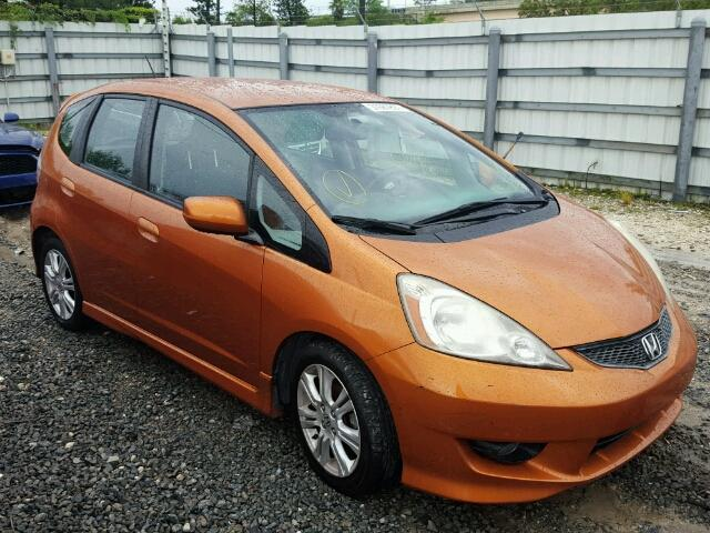 JHMGE8H41AC010329   2010 HONDA FIT SPORT ORANGE Photo 1