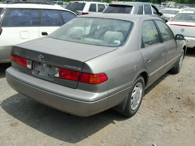 4T1BG22K8YU687579 - 2000 TOYOTA CAMRY CE GRAY photo 4