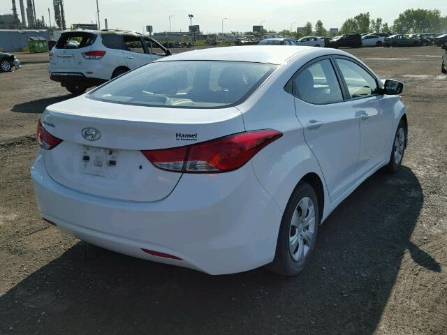 5NPDH4AE8DH300308 - 2013 HYUNDAI ELANTRA GL WHITE photo 4