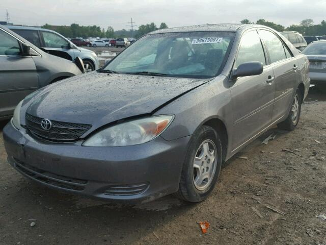 4T1BF32K93U566402 - 2003 TOYOTA CAMRY GRAY photo 2