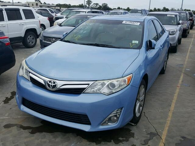 4T1BF1FK0CU605537 - 2012 TOYOTA CAMRY BASE BLUE photo 2