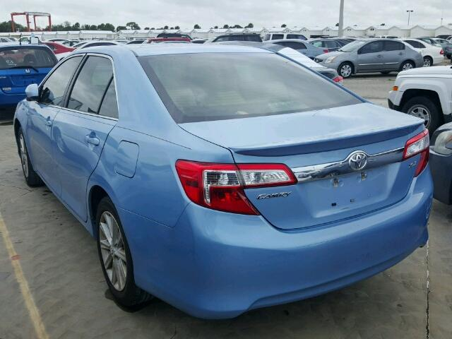 4T1BF1FK0CU605537 - 2012 TOYOTA CAMRY BASE BLUE photo 3
