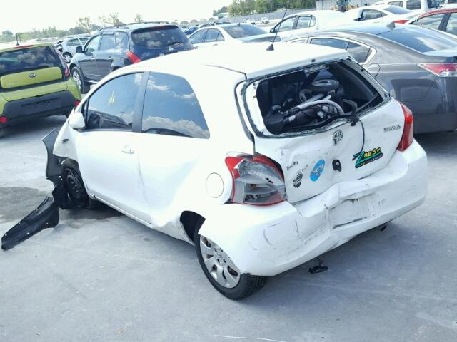 JTDJT923785154369 - 2008 TOYOTA YARIS WHITE photo 3