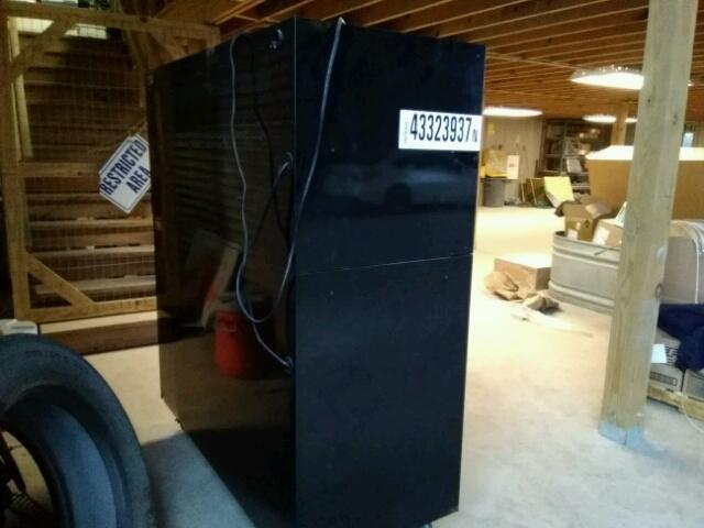 4225RPBT00LB0X - 1999 CRFT TOOLBOX BLACK photo 1