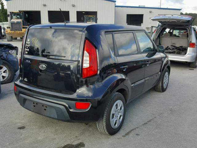 KNDJT2A53C7471556   2012 KIA SOUL BLACK Photo 4
