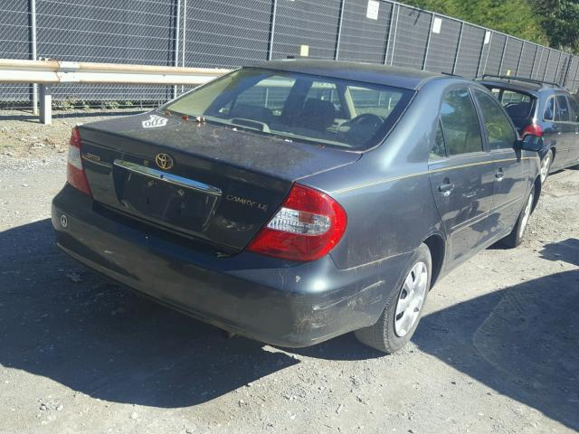 4T1BE32K12U577430 - 2002 TOYOTA CAMRY LE GREEN photo 4