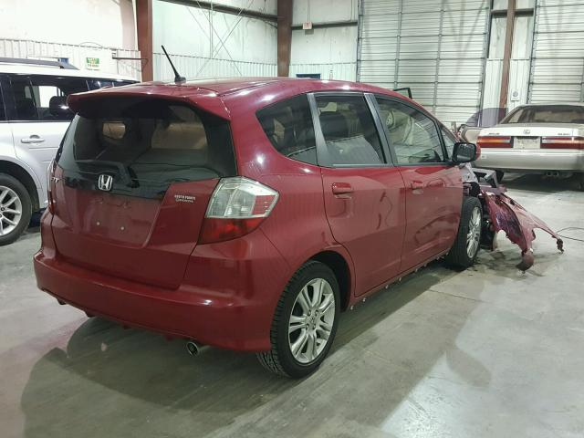 JHMGE8H47AC002137   2010 HONDA FIT SPORT RED Photo 4