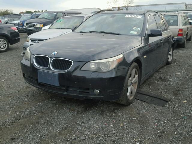 WBANN73586CN00726 - 2006 BMW 530 XIT BLACK photo 2