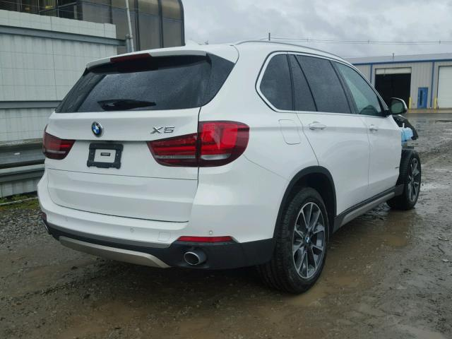 5UXKR0C50H0U50957 - 2017 BMW X5 XDRIVE3 WHITE photo 4