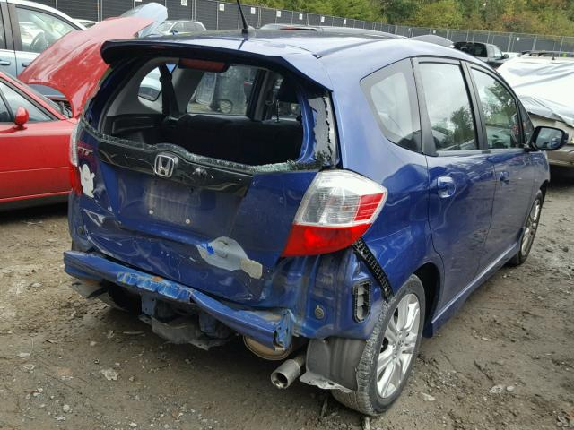 JHMGE8H45AS024448 - 2010 HONDA FIT BLUE photo 4