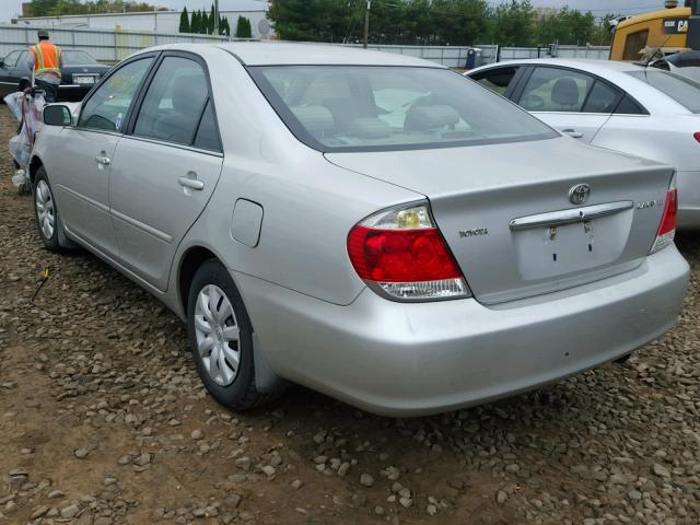 4T1BE32K35U541775 - 2005 TOYOTA CAMRY LE SILVER photo 3