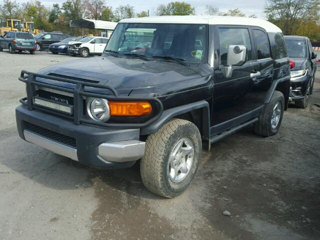 JTEBU11F570014617 - 2007 TOYOTA FJ CRUISER BLACK photo 2