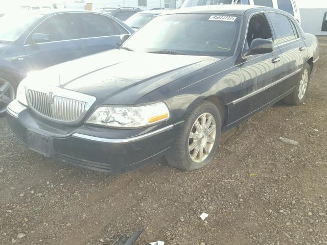 2LNBL8CV6BX750735 - 2011 LINCOLN TOWN CAR S BLACK photo 2
