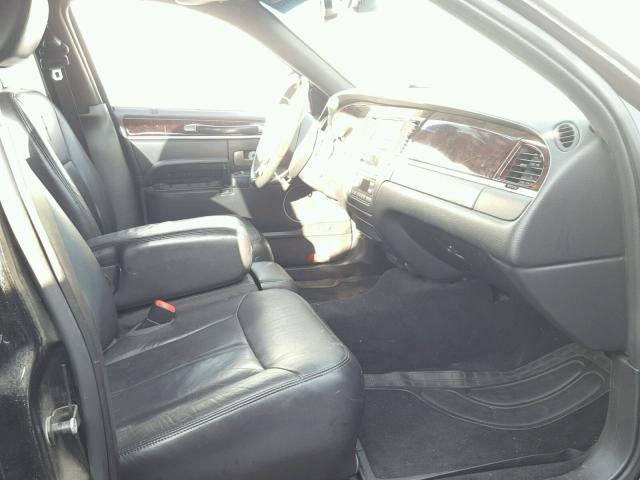 2LNBL8CV6BX750735 - 2011 LINCOLN TOWN CAR S BLACK photo 5