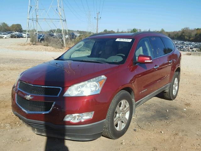 1GNEV23D89S153185 - 2009 CHEVROLET TRAVERSE RED photo 2