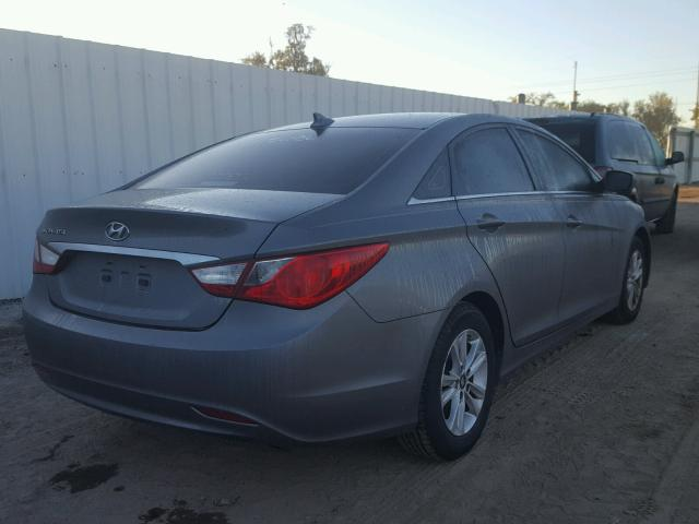 5NPEB4AC2DH748497   2013 HYUNDAI SONATA CHARCOAL Photo 4