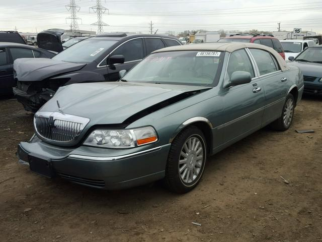 1LNHM82W45Y611550 - 2005 LINCOLN TOWN CAR S GREEN photo 2