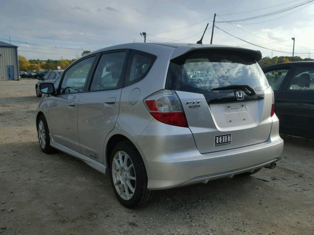 JHMGE8H56BC011213 - 2011 HONDA FIT SILVER photo 3