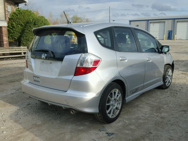 JHMGE8H56BC011213 - 2011 HONDA FIT SILVER photo 4