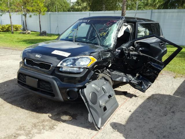 KNDJT2A55D7532987 - 2013 KIA SOUL BLACK photo 2
