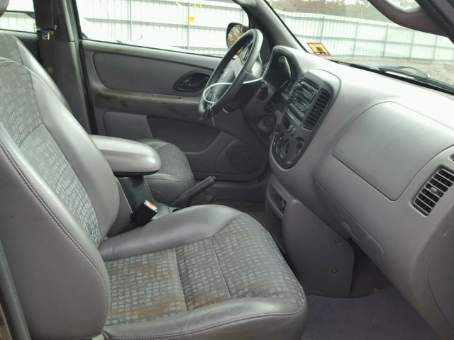 1FMYU02142KC38370 - 2002 FORD ESCAPE XLS GRAY photo 5