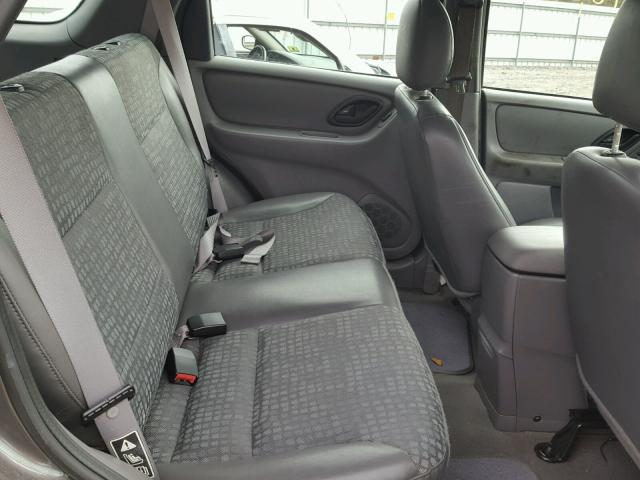 1FMYU02142KC38370 - 2002 FORD ESCAPE XLS GRAY photo 6