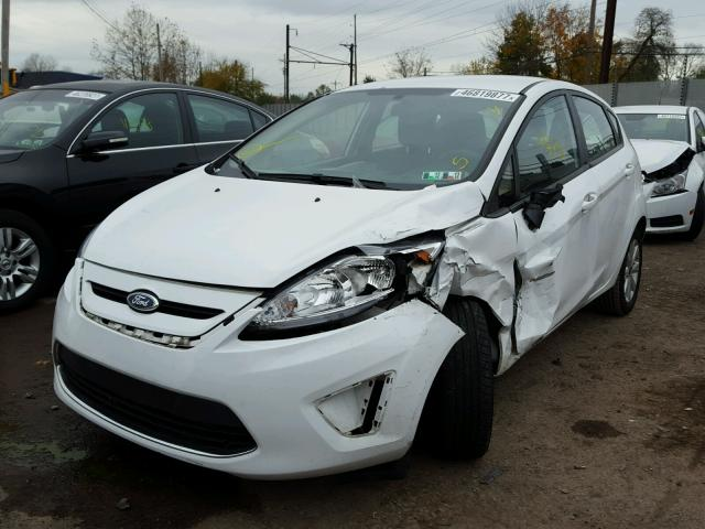 3FADP4EJ8BM239761 - 2011 FORD FIESTA SE WHITE photo 2
