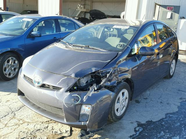 JTDKN3DUXA0242756 - 2010 TOYOTA PRIUS GRAY photo 2