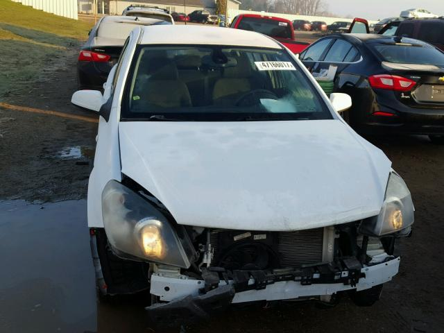 W08AT671X85096319 - 2008 SATURN ASTRA XR WHITE photo 9
