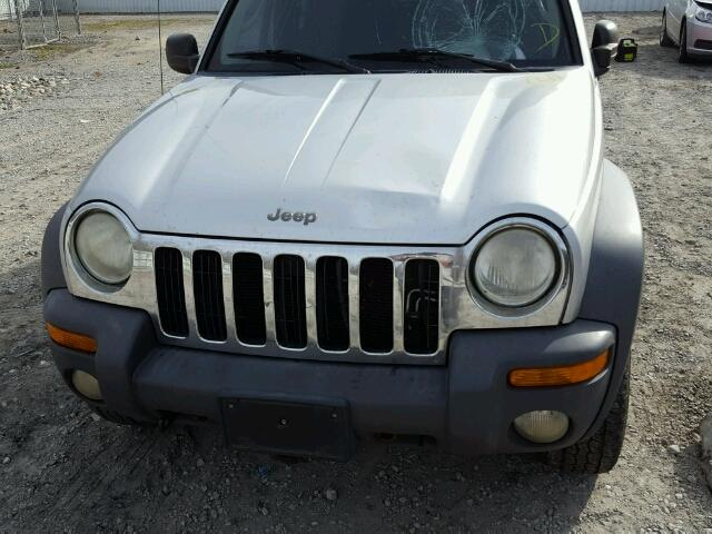 1J4GL48K42W114029 - 2002 JEEP LIBERTY SP SILVER photo 9