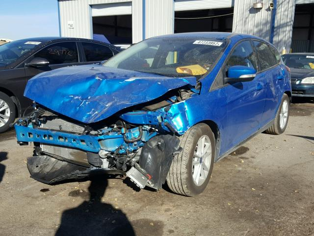 1FADP3K27HL235749 - 2017 FORD FOCUS SE BLUE photo 2