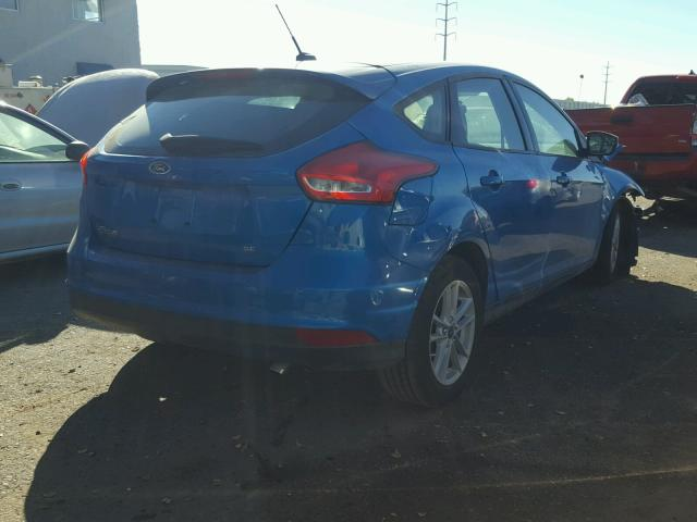 1FADP3K27HL235749 - 2017 FORD FOCUS SE BLUE photo 4