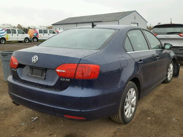 3VWDP7AJ1DM445103 - 2013 VOLKSWAGEN JETTA SE BLUE photo 4