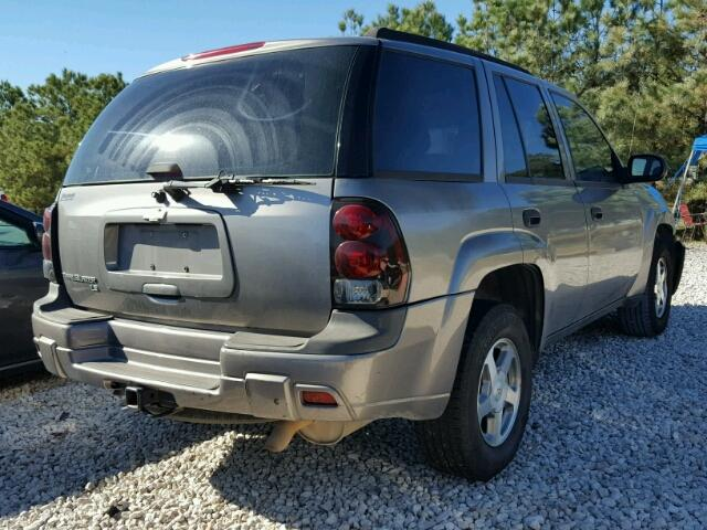 1GNDS13SX52370342 - 2005 CHEVROLET TRAILBLAZE GRAY photo 4