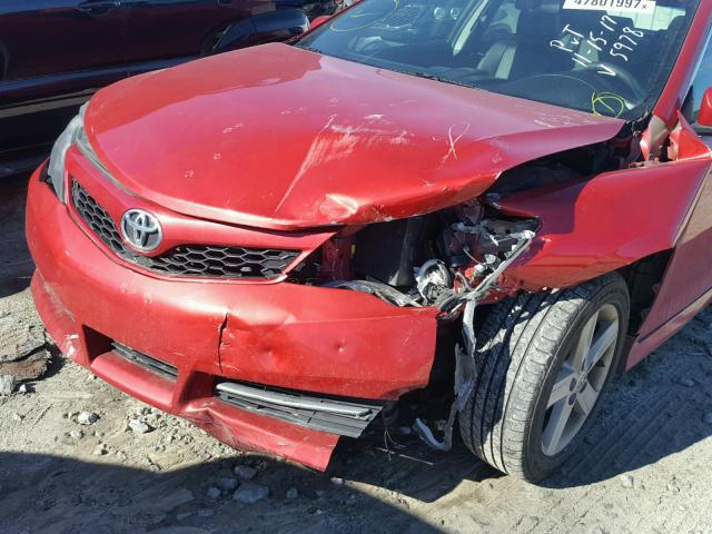 4T1BF1FK3CU615978 - 2012 TOYOTA CAMRY BASE RED photo 9