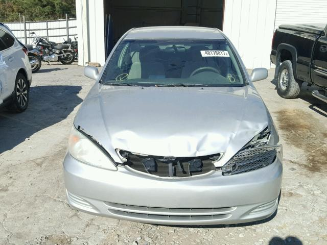 4T1BE32K43U766526 - 2003 TOYOTA CAMRY LE SILVER photo 9