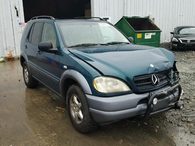 4JGAB54E1WA001111 - 1998 MERCEDES-BENZ ML 320 GREEN photo 1