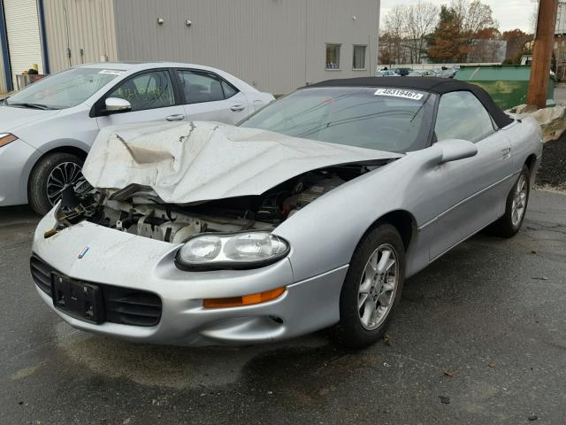 2G1FP32K622168466 - 2002 CHEVROLET CAMARO SILVER photo 2
